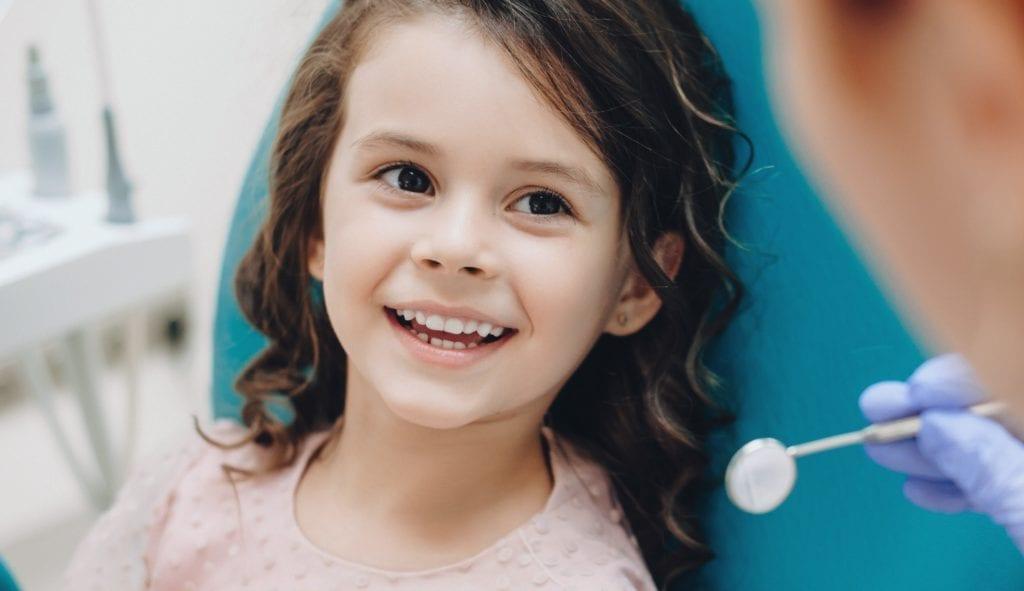 Zahnarztbehandlung für Kinder in der dental gallery